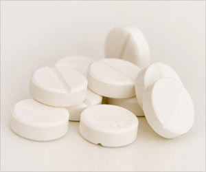 Aspirin Cuts Cancer Risk