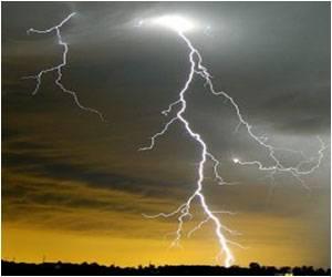 Heavy Rain Accompanied by Lightning, Thunderstorm Claim 28 Lives in Maharashtra