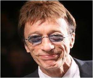 Robin Gibb Says Cancer is in Remission