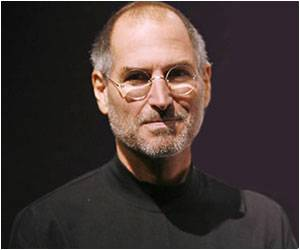 Men's Boutique in US Profited from Steve Jobs' Death, Say Reports