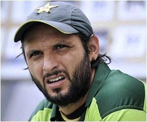 Afridi in Pakistan's Anti-polio Drive