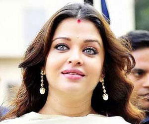 Actress Aishwarya Rai Bachchan Stresses On Importance Of Cord Banking