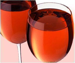 Lower Severity Of Symptoms of Fibromyalgia Reported By Low And Moderate Drinkers Of Alcohol