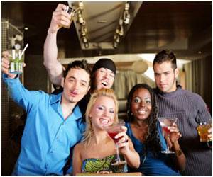 Alcohol Makes Smiles More 'Contagious' Among Men
