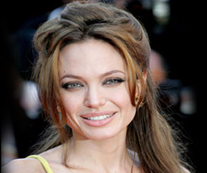 Angelina Jolie Recovers from Chicken Pox