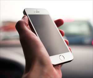 Middle-Aged Drivers at Higher Risk of Crashes Due to Cellphone Use While Driving