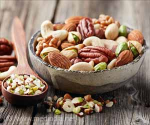 Eating Nuts Every Day can Cut Down Risk of Fatal Heart Attack, Stroke