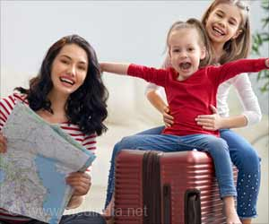 Bon Voyage: Holiday Travel Tips to Stay Hale and Healthy This Christmas