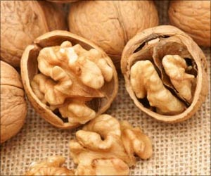 Walnuts Help Fight Aging Effects