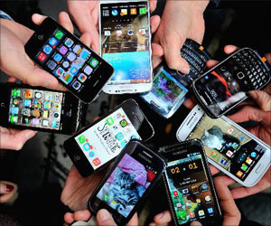 Cell Phone Addiction may Destroy Parent-Child Bonding