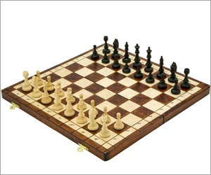 Chinese Man Kills Neighbor to Play Chess After Death