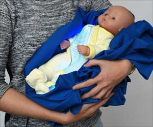 Breathable Illuminated Pajamas For Newborns With Jaundice