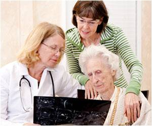 Visiting Physicians With Older Loved Ones Might Improve Care