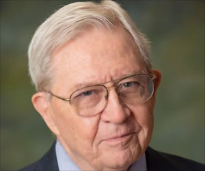 Doctor Who Eradicated Smallpox Dies at 87