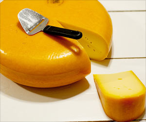 8.5 Tonnes of Dutch Cheese Stolen from Dairy Farms