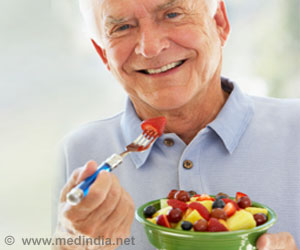 Senior Citizens Happily Enjoying New Food: Study