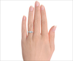 Think Twice Before Buying a Diamond Ring on Valentine's Day