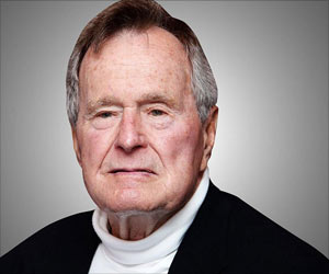 George H.W Bush Discharged from Hospital After Being Treated for His Broken Neck