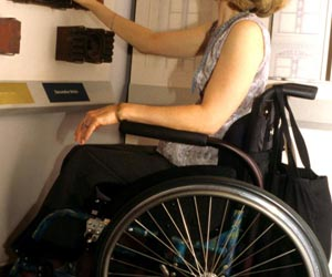 Workplace Dress Codes Need to be Revised for Employees With Disabilities