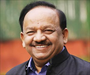 World Heart Day 2014: Health Minister Dr Harsh Vardhan Urges Disciplined Lifestyle