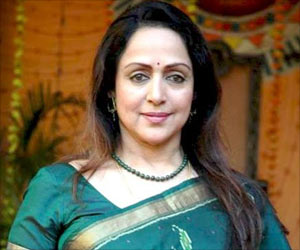 Hema Malini Urges Young Girls to Create Awareness On Toilets