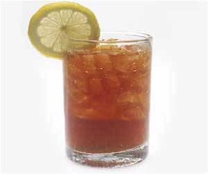 Drinking Iced Tea Elevates Kidney Stones Risk: Urologist