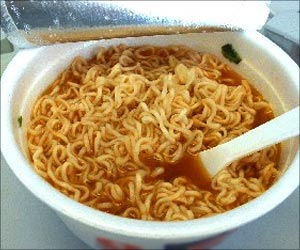 Think Twice Before Eating Instant Noodles! They Contain High Amounts of Salt And Sugar