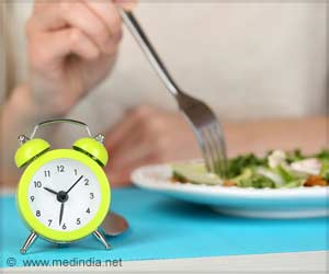 Eating When You Should Be Sleeping Increases Risk of Heart Disease