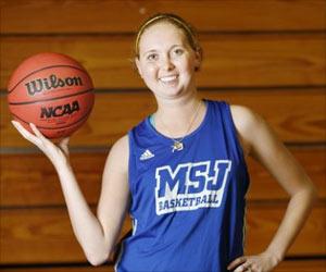 Basketball Player Lauren Hill Dies at 19 After Battling Brain Tumor for Two Years