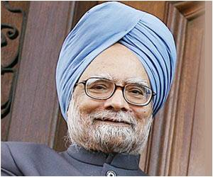 Former PM Manmohan Singh Completes The #10Yearchallenge Post Heart Surgery