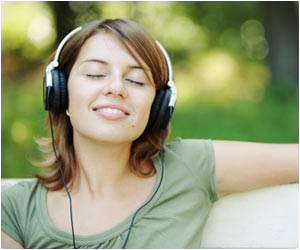Tapping to a Beat While Listening to Music May Not Be Related to Rhythm Memory
