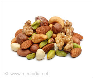 Daily Consumption of Nuts Lower Risk of Heart Disease