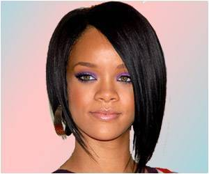 Singer Rihanna to Introduce New Make-Up Line