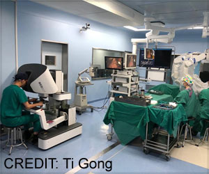 Shanghai Robot Completes First Surgery on a 65-year-old Cancer Patient
