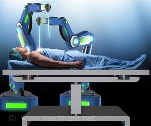 Mobile Unit Sets Out to Train Doctors in Robotic Surgery in Smaller Indian Cities