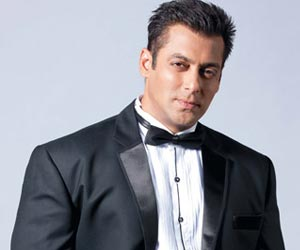 Bollywood Stars Preity Zinta and Salman Khan Cheer Cancer Kids