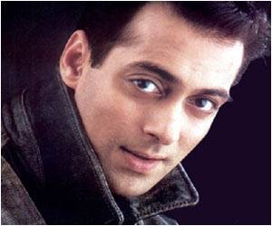 Actor Salman Khan Pledges To Donate His Bone Marrow