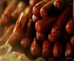 Experts Warn 10 Percent of Sausages in Britain may be Contaminated With Deadly Virus