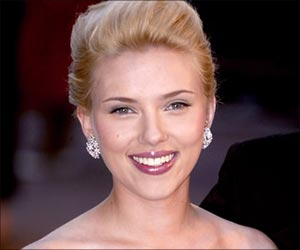 Scarlett Johansson  To Take US Weekly  To Court