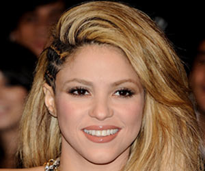 Shakira Wants to Breastfeed Her Son Until He Goes to College