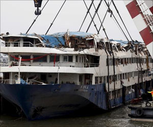 Death Toll Exceeds 331 in Chinese Cruise Ship Disaster On Yangtze River
