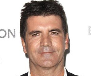 Even After Hynotherapy, Simon Cowell Fails in His Attempt to Give Up Smoking
