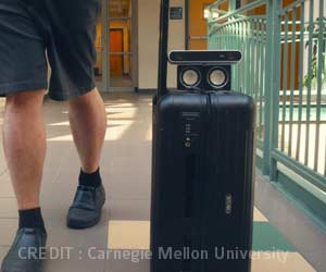 Smart Suitcase App Helps Blind People Navigate Airports