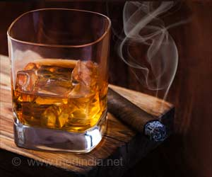Smoking, Alcohol Consumption Increase Lifetime Risk Of Irregular Heart Rate