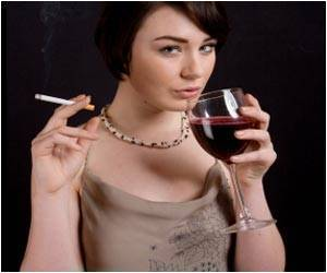 Study Says Women Who Smoke and Drink are at Higher Risk Than Men