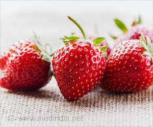 Strawberries, Spinach Top List of 'Foods Containing Most Pesticides'