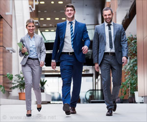 2 Min Brisk Walk Can Help Lower Office Workers' Blood Lipids