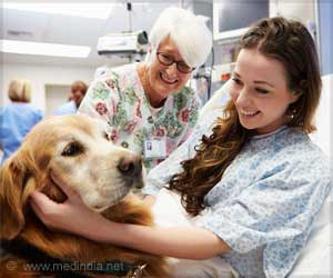 Spending Just 10 Minutes with Dogs Can Make Patients Feel More Comfortable, Happy