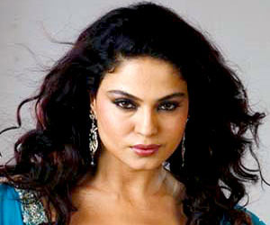Pak Actress Veena Malik Goes Missing in Mumbai