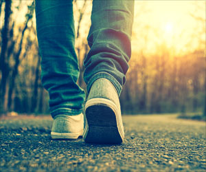 How Walking Benefits the Body and Brain